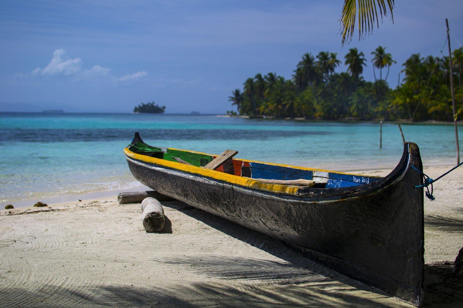 Barca ai caraibi - San Blas - Kuna canoa