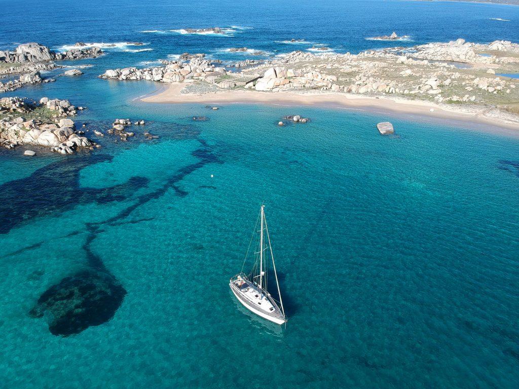 Barca a cala lazzarina - Lavezzi