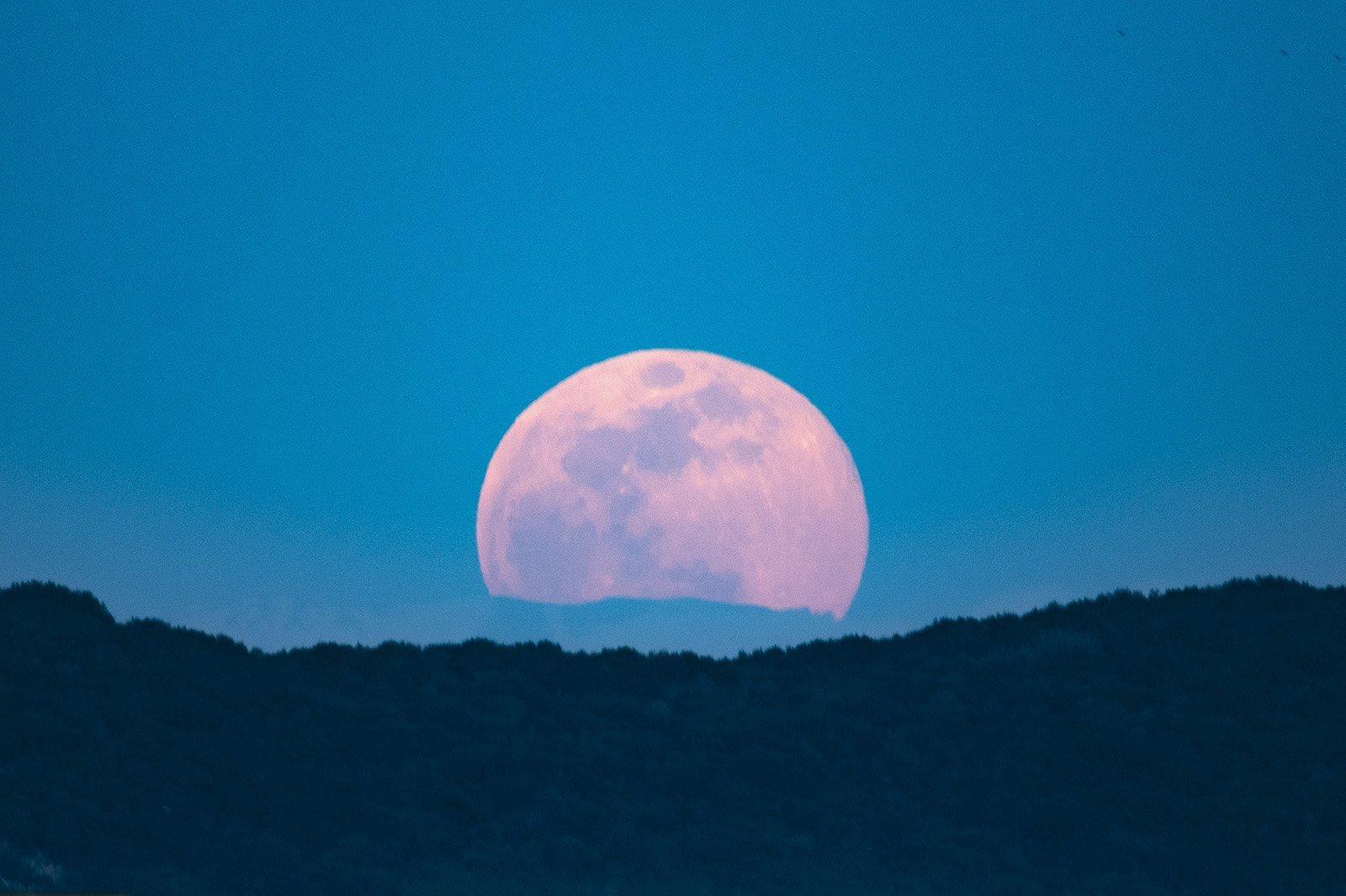 Luna rossa. Vacanza in barca a vela
